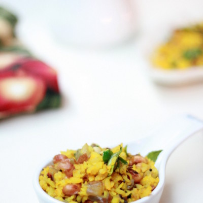 Kanda Poha Recipe | Aval Upma Recipe – Indian Breakfast Recipe
